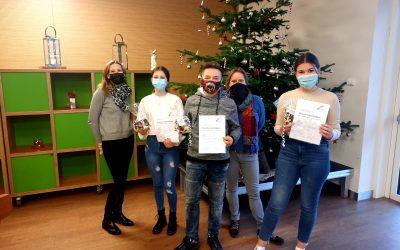 Schülerinnen und Schüler legen Deutsches Sprachdiplom ab
